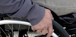 Osoba niepełnosprawna na wózku