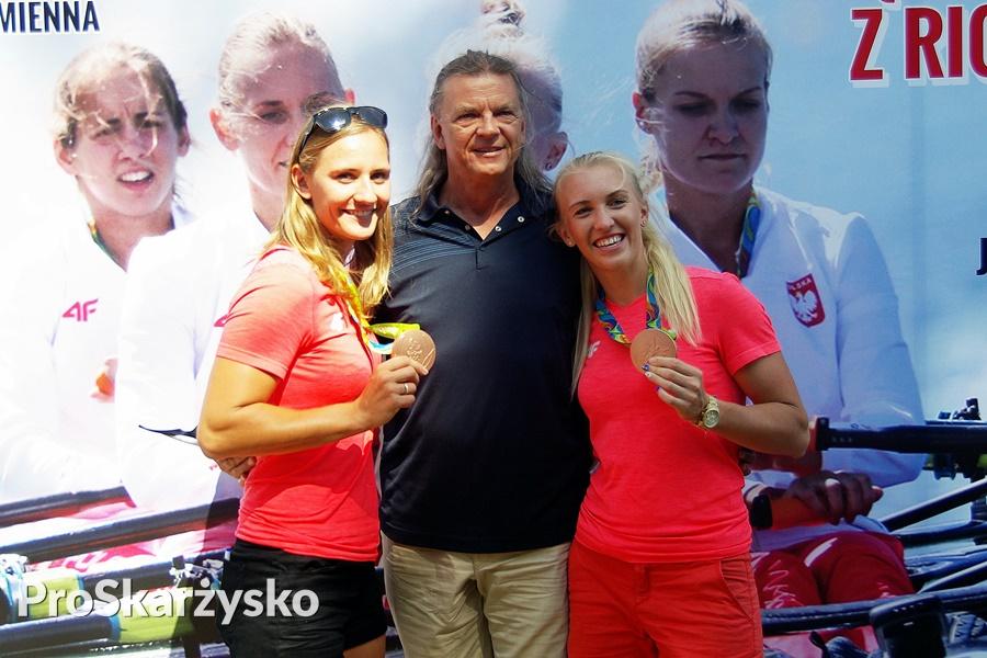 Polscy sportowcy - medaliści olimpijscy: Joanna Leszczyńska, Jacek Wszoła i Agnieszka Kobus