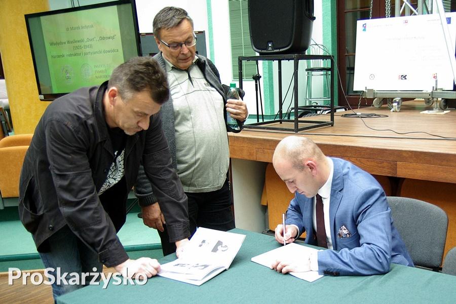 marek-jedynak-wasilewski-oset-ksiazka-001