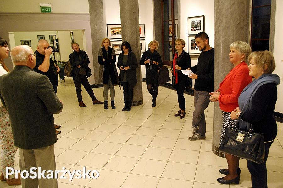 Wystawa fotograficzna Linio... Kręgi - Miejskie Centrum Kultury
