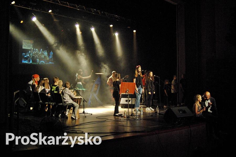 male-sie-koncert-mck-001