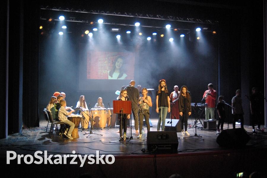male-sie-koncert-mck-002
