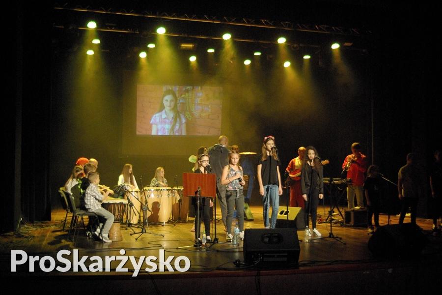 male-sie-koncert-mck-003