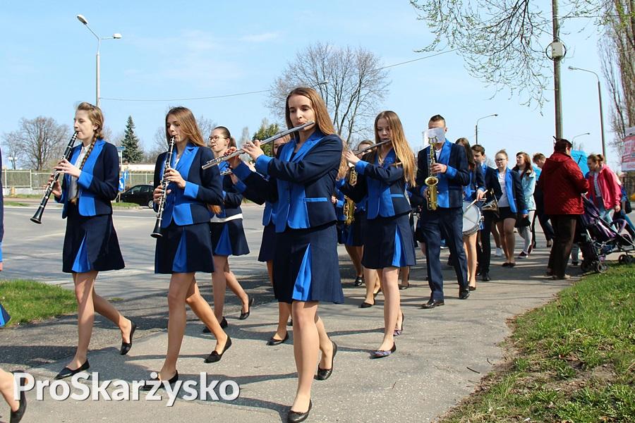 Parafialna Orkiestra Dęta Perły Wincentego w Odrowążku - Blue Day - Niebieski Marsz - Skarżysko - 2017