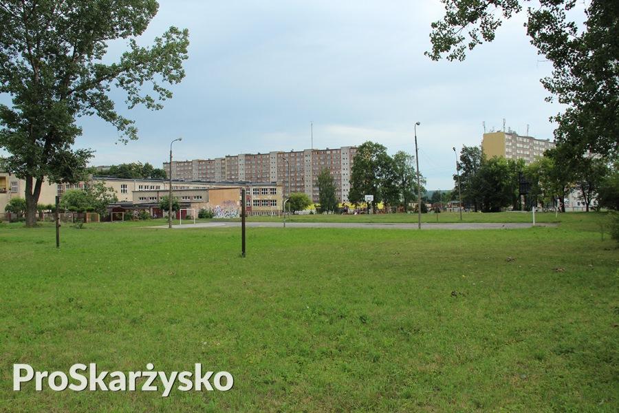 Szkoła Podstawowa nr 1 - sprzedaż terenu