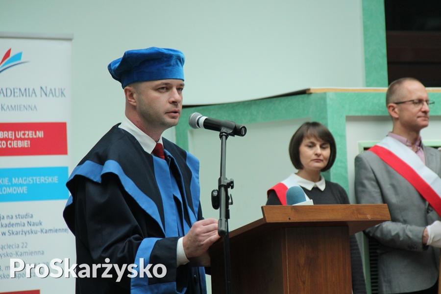 Dr Paweł Ramiączek