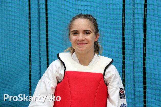Oliwia Fornal karate